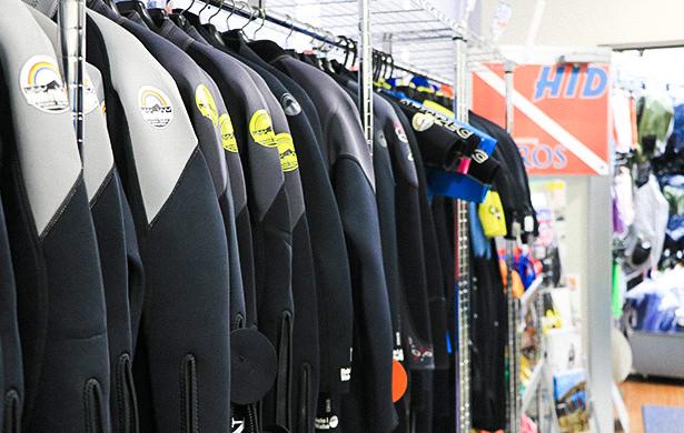 HID AQROS沖縄 ウェットスーツ